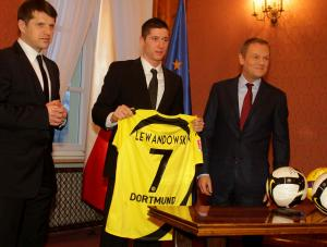 cezary-kucharski-robert-lewandowski-300-227