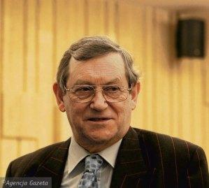 z13977200Q,Norman-Davies