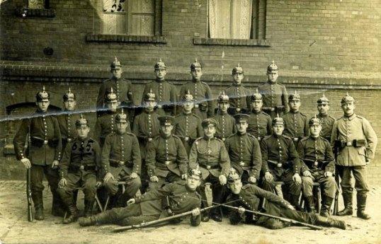 Listopad-1915-roku--Opole--Pamiatkowe-zdjecie-prze
